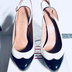 Original RED Valentino pumps classic black /white